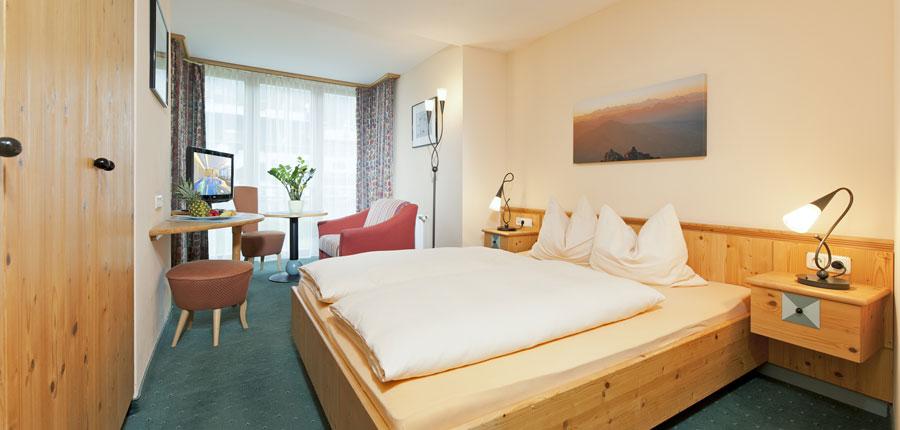 Hotel Schweizerhof, Kitzbühel, Austria - bedroom interior.jpg